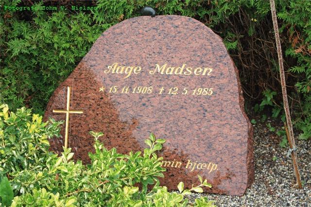 Aage Julius Madsen